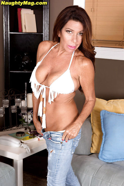 Mature first timer Layla LaMora freeing big boobs before masturbating pussy
